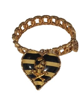 Betsey Johnson Betsey Johnson Skull and Heart