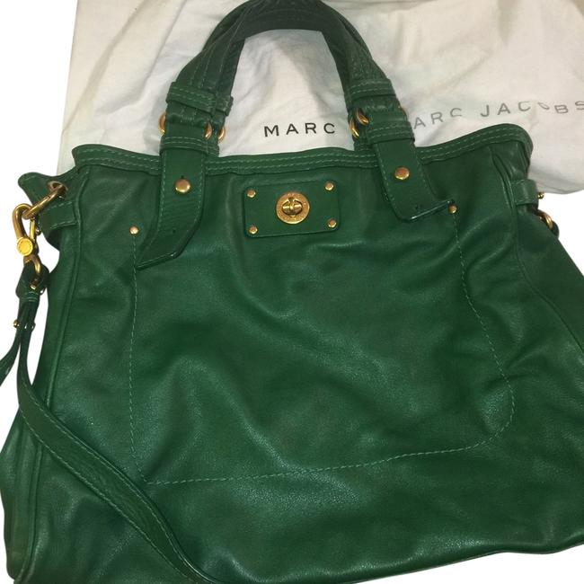 Item - Turnlock Lucy Kelly Green Leather Tote