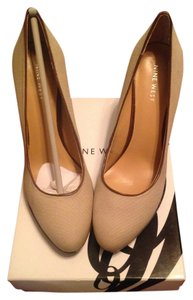 Nine West NAT/MESA BRO Pumps