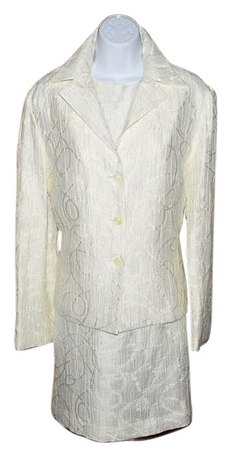 Preload https://item2.tradesy.com/images/white-textured-dress-lined-jacket-and-sleeveless-dress-skirt-suit-size-10-m-9092941-0-4.jpg?width=400&height=650