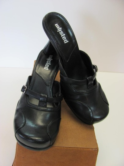 Unllisted Size 7.00 M Excellent Condition Black Mules