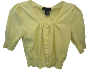 Sweater Project Medium Button Front Short Sleeve Crop Layer Washable Easy Care Cardigan