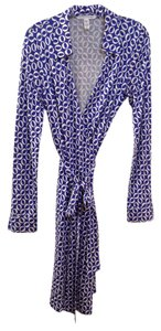 Diane von Furstenberg Dvf Wrap Long Sleeve Above Knee 100% Silk Dress