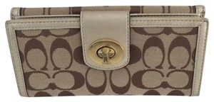 Coach Coach Bifold Turn Lock Wallet Beige VGUC