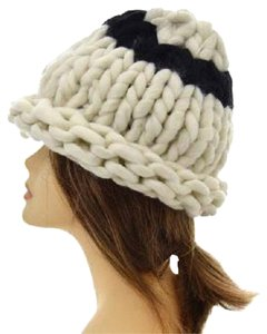 Finland Style Lovely and Warm Chic Chunky Big Yarn Knitted Ivory Beanie Winter Cap Hat