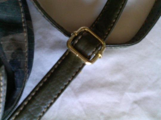 Unknown Chic Gold Leather Vintage Cross Body Bag