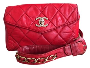 Chanel Fanny Pack Waist Belt Flap Vintage Fanny Pack Gold Hardware Waist Belt Quilted Hands Free Festival Bum Wristlet in Red