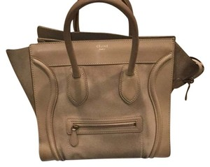 Céline Satchel in Sahara
