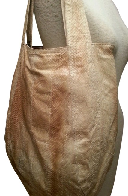 Item - Handbag 18x17 Cream Watersnake Hobo Bag