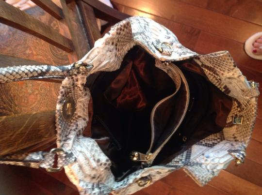 Pulicati Shoulder Bag