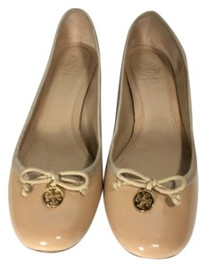 Tory Burch Heel Chunky Casual Tan Pumps