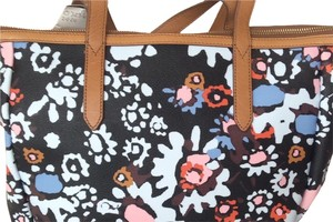 Fossil Tote in floral