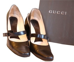 Gucci Classic Leather Pointy Black Pumps