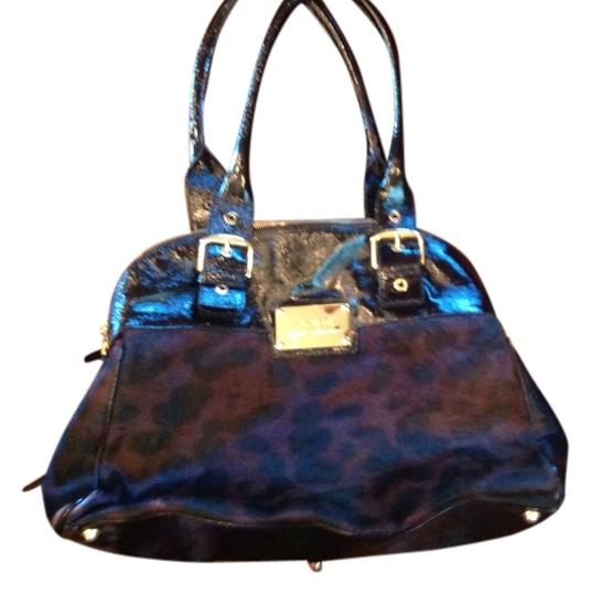 Preload https://item5.tradesy.com/images/winter-collection-black-with-dyed-hair-brownblack-leopard-print-paten-leather-shoulder-bag-911689-0-0.jpg?width=440&height=440
