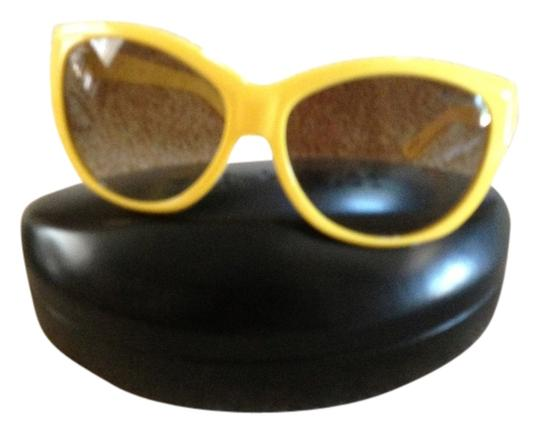 Ralph Lauren yellow sunglasses comes with case. Great for summer.