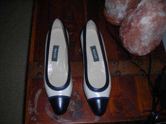 Bally Heels 8n 8n Cream / Ivory Pumps
