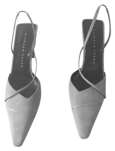 Richard Tyler Light Taupe Pumps