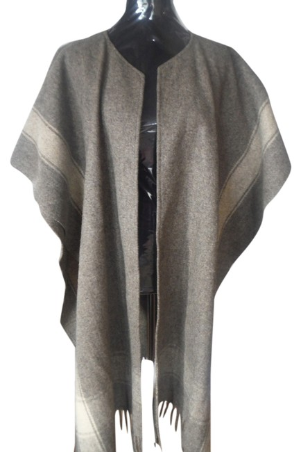 Preload https://img-static.tradesy.com/item/9135490/grey-brown-wool-ponchocape-size-os-one-size-0-2-650-650.jpg