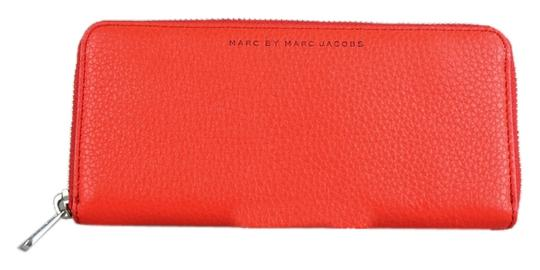 Preload https://img-static.tradesy.com/item/9138754/marc-by-marc-jacobs-red-sophisticato-slim-zip-around-wallet-0-1-540-540.jpg