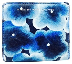 Marc by Marc Jacobs Marc By Marc Jacobs Blue Flower Print Small Leather Wallet