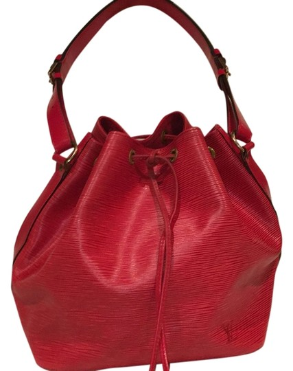 Preload https://img-static.tradesy.com/item/9141895/louis-vuitton-noe-red-leather-hobo-bag-0-1-540-540.jpg