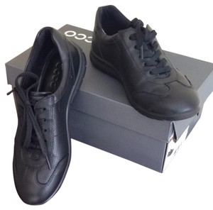 Ecco Leather Black Flats
