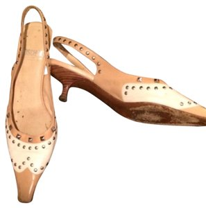 Moschino Tan/ivory Pumps