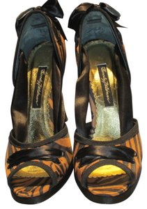 Beverly Feldman Great For Parties. Eye-catching! Animal Print/Black Satin Pumps