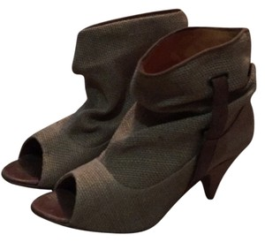 Calypso St. Barth Natural Boots