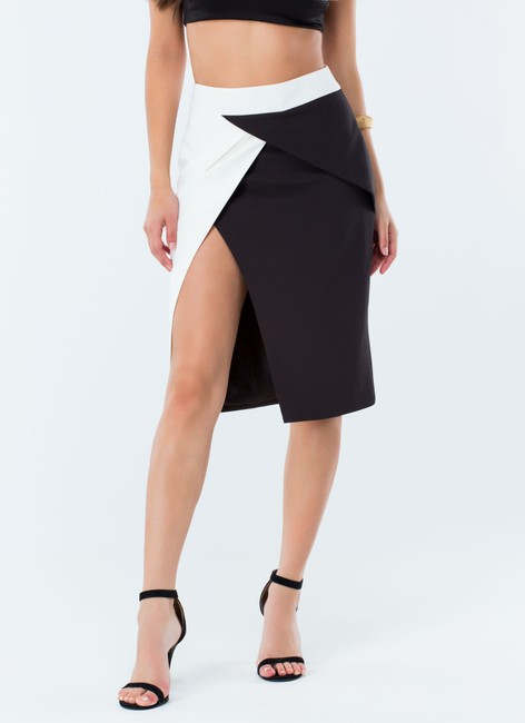Assis Skirt blank and white