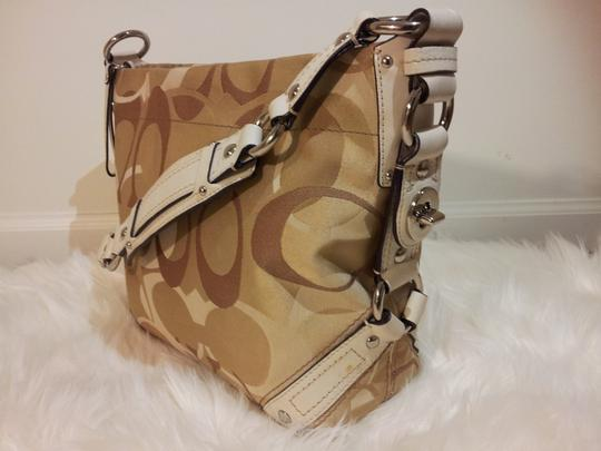 Coach Tan/Cream Optic Signature Canvas Carly Hobo Bag Image 2