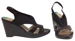 Adrienne Vittadini Black Wedges