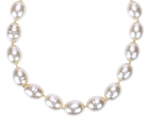 Chanel Chanel Vintage Oversized Faux Pearl Necklace