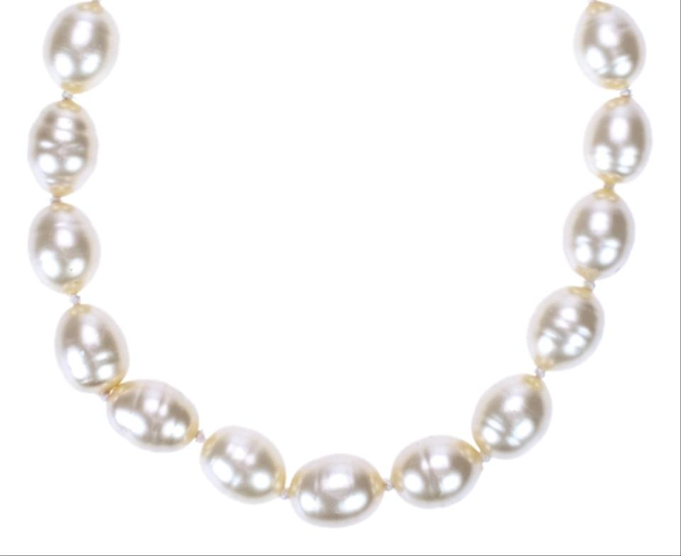 Chanel Vintage Oversized Faux Pearl Necklace Tradesy