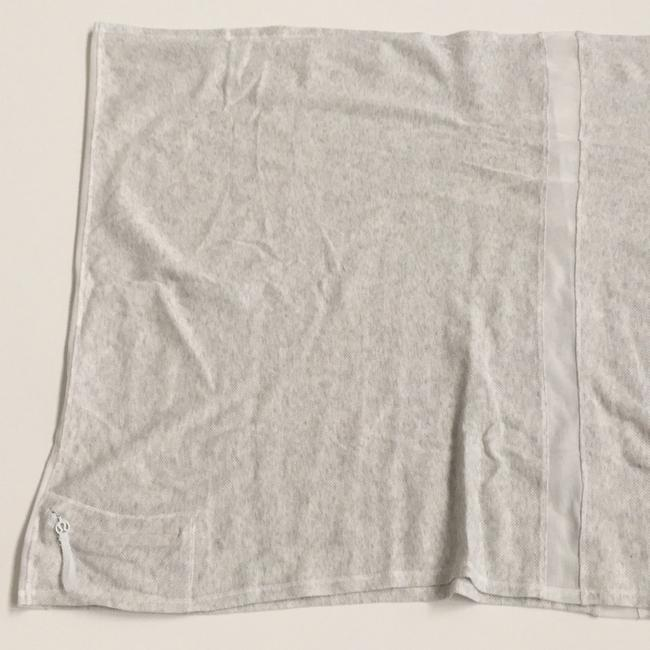 Item - White Activewear Gear Size OS (one size)