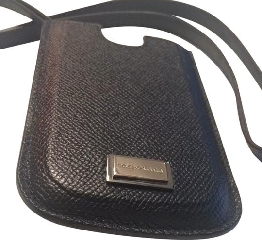 Preload https://img-static.tradesy.com/item/9165283/dolce-and-gabbana-black-exotic-phone-case-leather-tech-accessory-0-1-540-540.jpg