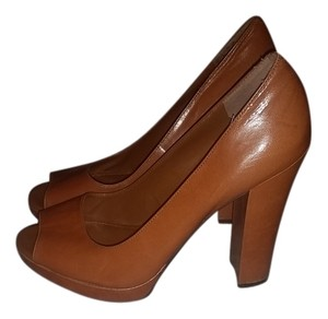 Ralph Lauren Cognac Pumps