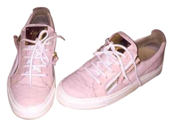 Item - Pink Sneakers Size US 7 Regular (M, B)