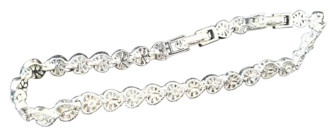 Item - Silver Box New In Vintage Heart Bracelet and Earring Gift Set