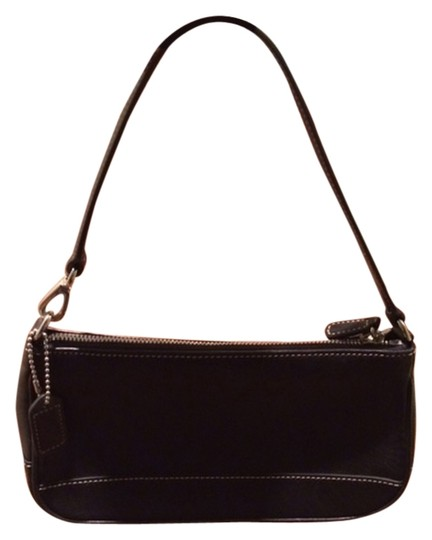 Preload https://img-static.tradesy.com/item/9167935/coach-small-black-leather-shoulder-bag-0-2-540-540.jpg