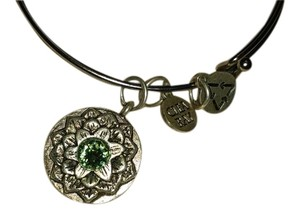 Clea Ray Peridot Bracelet with Flower
