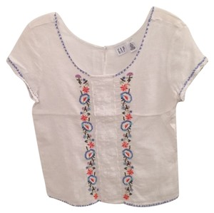 Gap T Shirt White with blue accents. Embroidered flowers. See pics