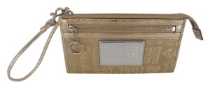 Coach POPPY WORD BLOCK LARGE WRISTLET