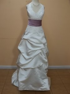 DaVinci Bridal Ivory/Purple Satin 8167 Formal Wedding Dress Size 8 (M)