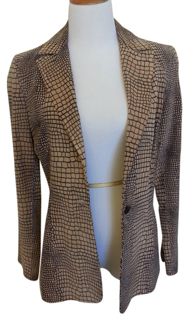 Preload https://img-static.tradesy.com/item/918032/cache-natural-and-grey-vintage-suede-blazer-size-4-s-0-0-650-650.jpg
