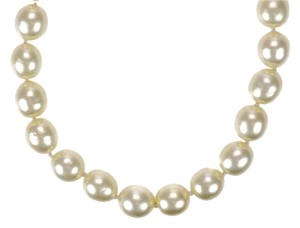 Chanel Chanel Vintage Faux Pearl Choker Necklace