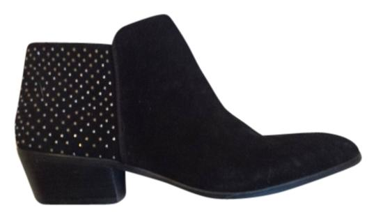 Preload https://img-static.tradesy.com/item/918832/steve-madden-black-with-studs-bootsbooties-size-us-9-0-0-540-540.jpg