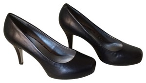 Madden Girl Pump Black Getta Heel Black Smooth Platforms