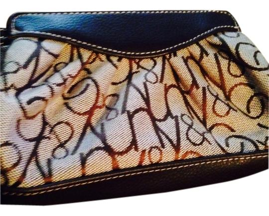 New York & Company Wristlet in Brown