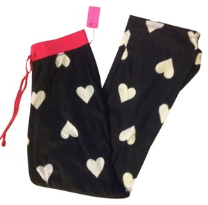 Betsey Johnson New with tag betsey Johnson hearts pj pants